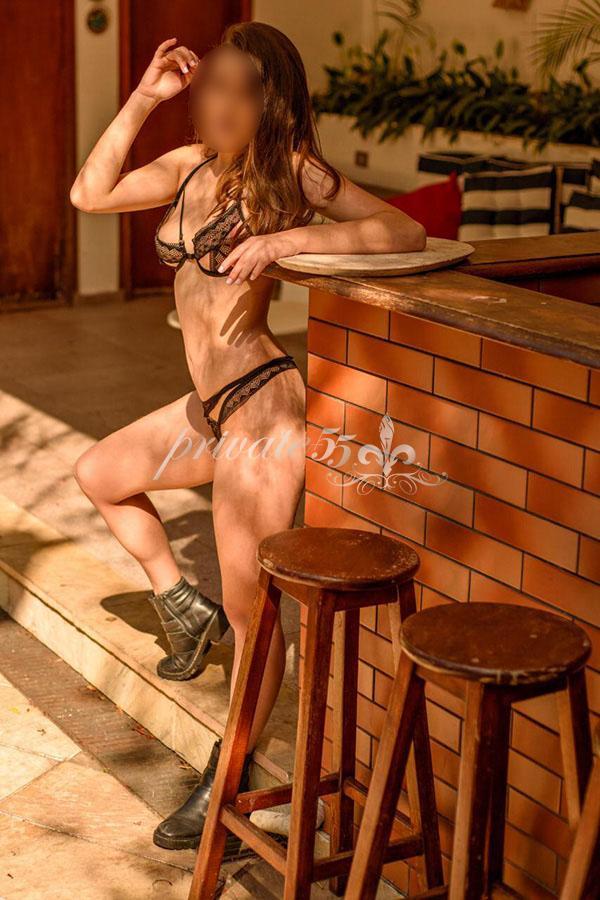 Sara Ferrari - Acompanhantes Curitiba - Acompanhantes Ctba - Acompanhantes PR