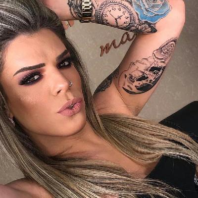 Lara Mantovani - Acompanhantes Curitiba - Acompanhantes Ctba - Acompanhantes PR
